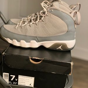 Cool Grey 9s